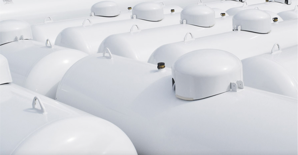 All tanks are finished with an AkzoNobel polyester-based powder coat